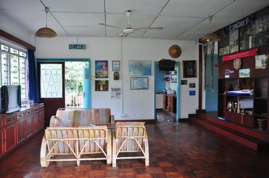 Borneo BeacHouse: living space on the second floor of the front building