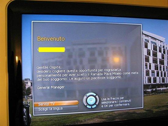 Ramada Plaza Milano: Il saluto sul televisore!