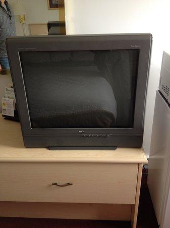 Rodeway Inn: Not the Most Energy Efficient TV