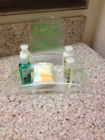 Holiday Inn Bangor-Odlin Road: Wasteful Disposable Toiletries - Bulk Dispensers Like in Scandinavia Would be Better