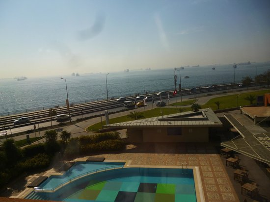 Ibis Istanbul City West Hotel: Vista do mar de mármara