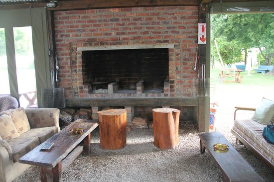 Abalone Lodges: BBQ area