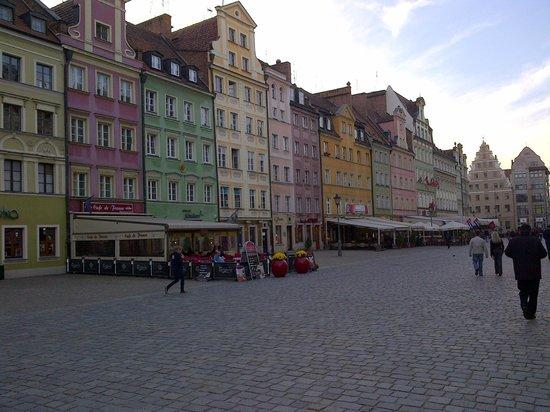 Mercure Wroclaw Centrum: Case colorate di Wroklaw