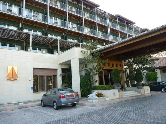 Columbia Beach Resort Pissouri: Main entrance and east facing rooms