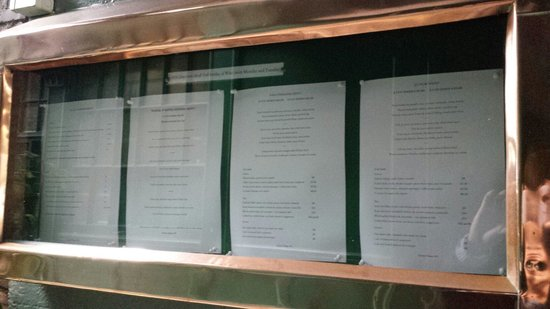 Les Freres Jacques: Menu board