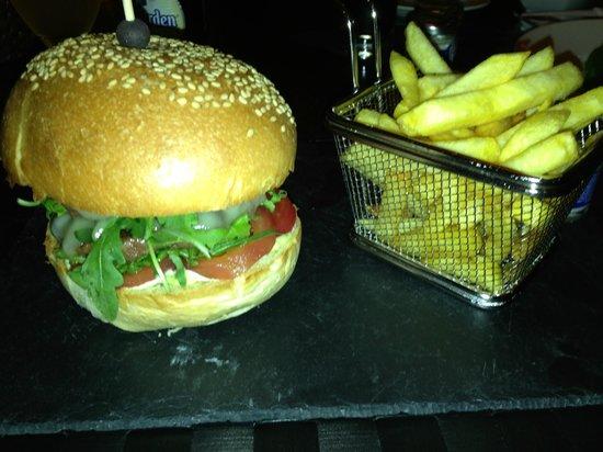 Sixty Four Bar: burger