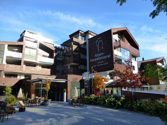 Aussenansicht bild von alpen karawanserai time design for Designhotel alpen