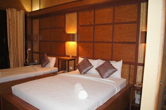 Boutique Raft Resort: the room