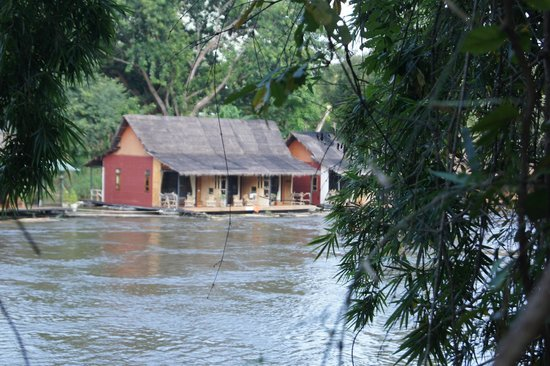 Boutique Raft Resort: view from the other side of the river
