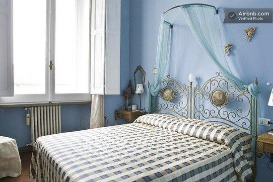 Florentia Apartments : Zaffiro Apartment bedroom