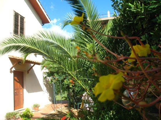 Il giardino di Ines B&B: ingresso