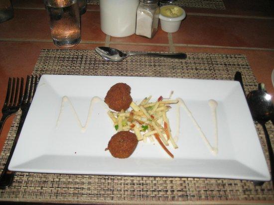 Cocobay Resort : Food in the Restaurant