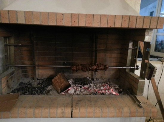 Nikos Gallop Restaurant: BBQ
