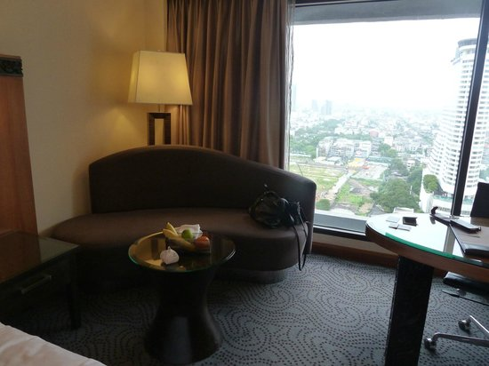 Royal Orchid Sheraton Hotel & Towers: Room