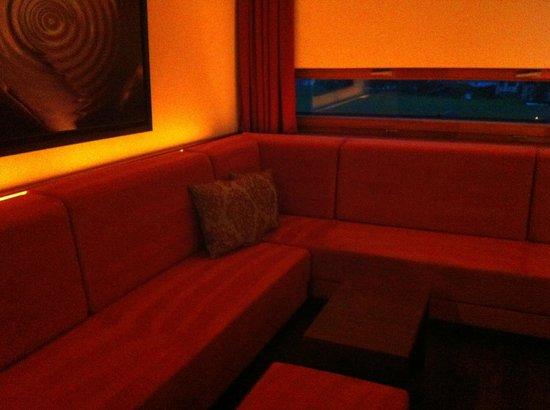 Falkensteiner Hotel & Spa Carinzia: zona giorno junior suite