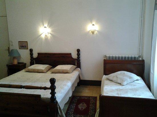 Hotel La Galiote: chambre triple vue sur la carhédrale