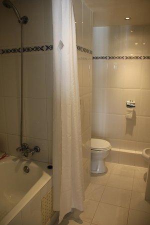 Atlas Amadil Beach Aqua Sun : Salle de bains