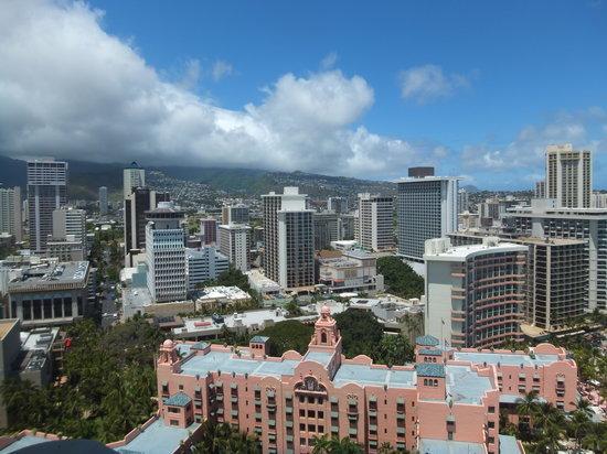Sheraton Waikiki: 海と反対側の部屋から見た景色