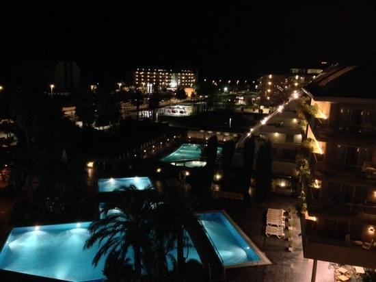 Aqua Hotel Onabrava & Spa: Night view