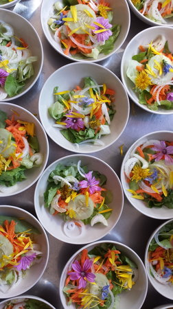 Agriturismo e Ristorante Sanvitale: l'insalata fiorita