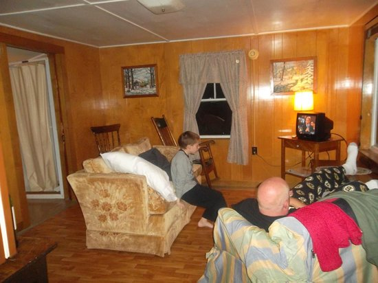 Maynard's-in-Maine: living room at Too Kee cabin