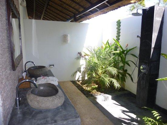 Minabali Bunga'lo : SDB