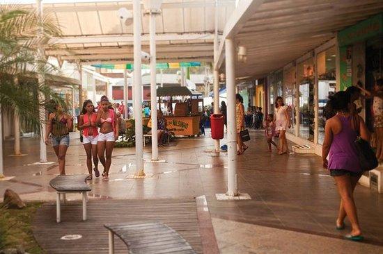 Rua Dos Biquinis: variedade e preço bom