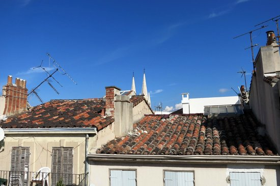 Le Ryad Boutique Hôtel : Aussicht aus dem 4. Stock über die Dächer von Marseille