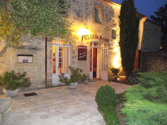 Le Vieux Presbytere: entrée restaurant