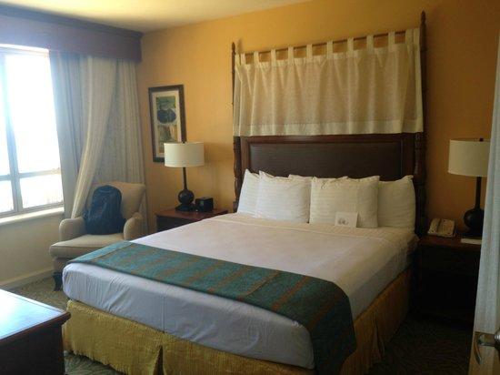 Grand Waikikian by Hilton Grand Vacations : Master Room