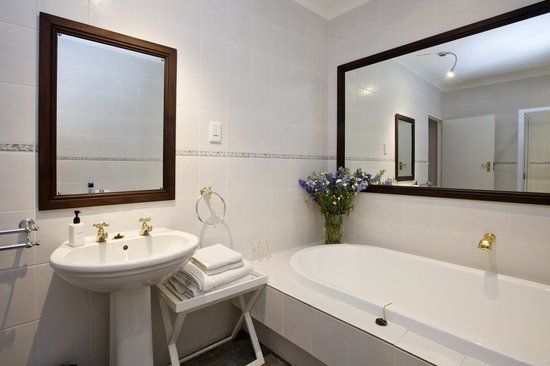 Dongola Guest House: Room 6 full bathroom