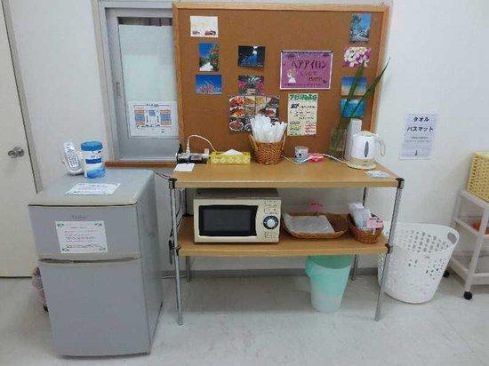 Island at Ishigaki : 8 共用の冷蔵庫と電子レンジと電気ポット