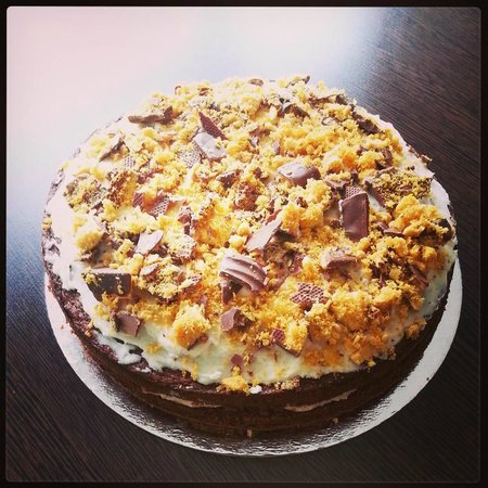 Cafe29: Crunchie cake