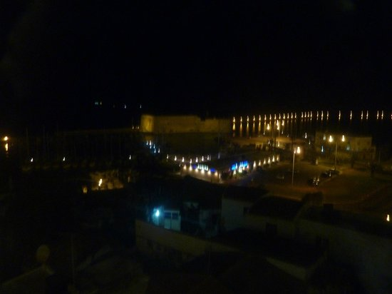 Lato Boutique Hotel: Night view from restaurant, excuse the quality
