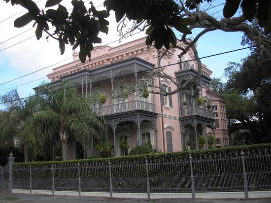 Historic New Orleans Tours : One of the homes on the tour.