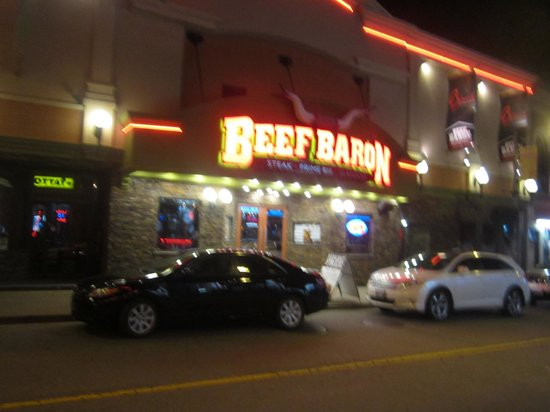 Beef Baron Restaurant: after we ate our wonderful dinner, i snaped a picture