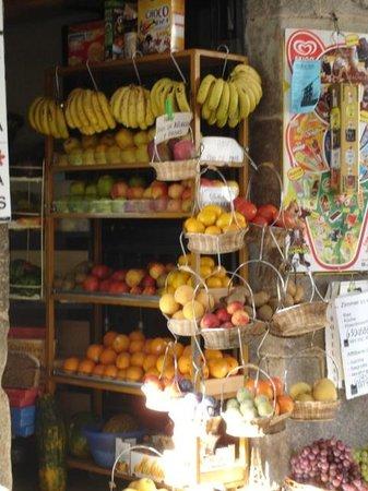 A Casa Da Torre Branca: Preciosa Tienda de Frutas en Santiago de Compostela