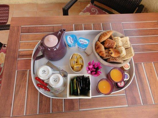 Rocca Rossa B&B : Le petit déjeuner