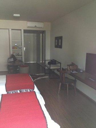 Hotel Sarum: chambre avec deux lits simples