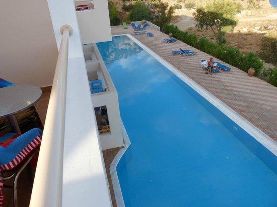 Zwembad Op Balkon : Opblaasbaar zwembad in ovaalvorm zwembadgigant