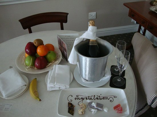 Cape Grace: Treats from the staff - Honeymoon