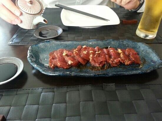 Lui y Keito: Sashimi de solomillo
