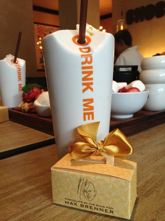 Max Brenner Chocolate Bar: Alice Drink Me