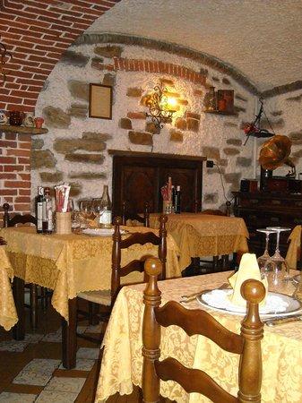 Hotel Ristorante Reale : il ristorante taverna