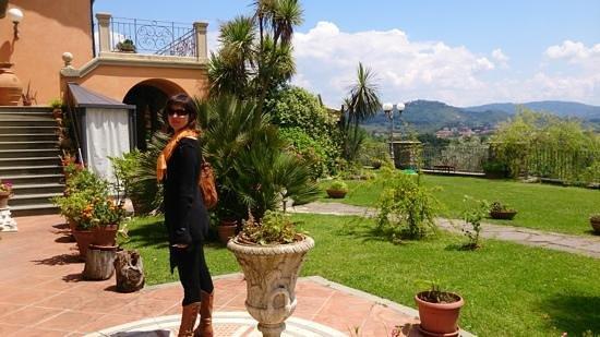 Nice Agriturismo Amici Del Colle: Vialetto Du0027ingresso
