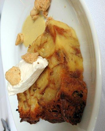 Sheraton Columbus at Capitol Square Hotel: Bread pudding