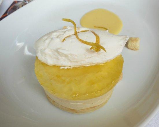 Sheraton Columbus at Capitol Square Hotel: Lemon Parfe