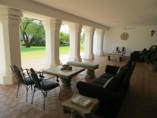 Leeuwenhof Country Lodge & Spa: loggia