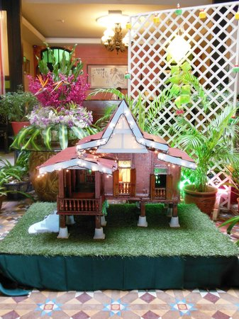 Hotel Puri: Kampong miniature in the lobby