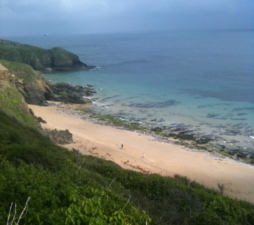 Pollaughan Holiday Cottages: Porthbeor Beach just 10 mins down the road